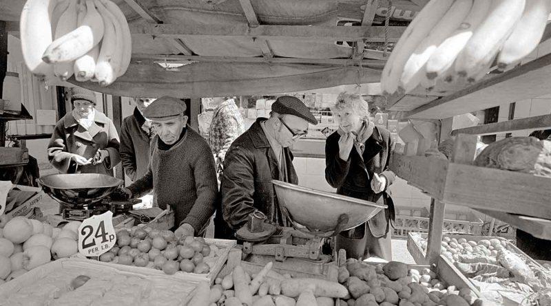 Fruit and veg stall, Watney Market, London. Image by Tony Bock.